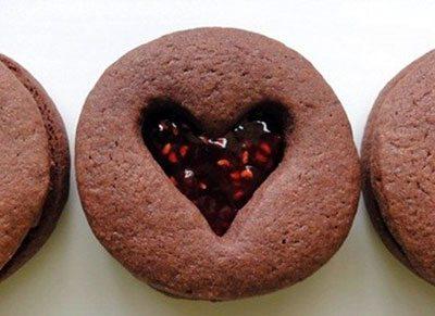 คุกกี้ราสเบอร์รีรูปหัวใจ