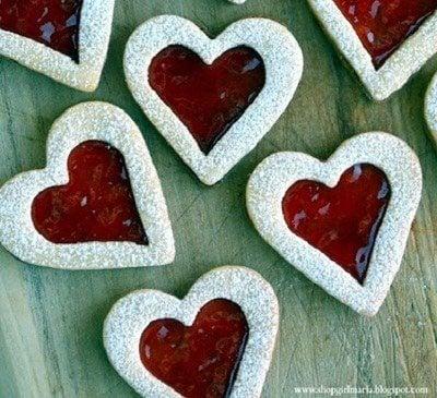 คุกกี้รูปหัวใจสอดไส้แยมสตรอว์เบอร์รี