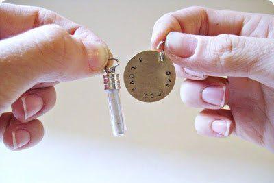 พวงกุญแจจดหมายจิ๋ว