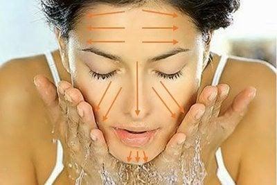 ล้างหน้าตามแนวขน