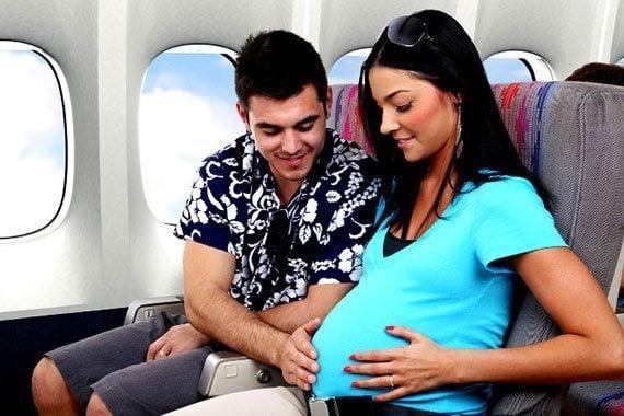 คนท้องเดินทางโดยเครื่องบิน