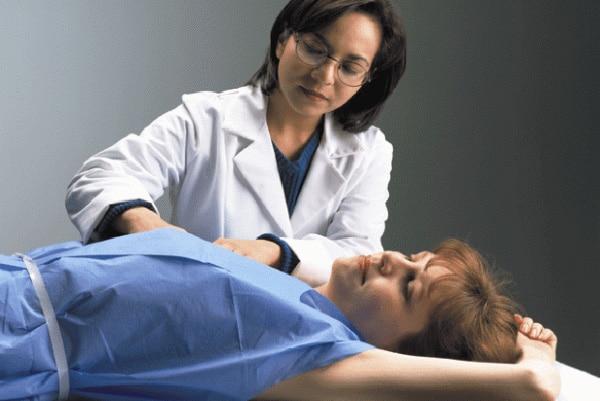 การตรวจเต้านมโดยแพทย์